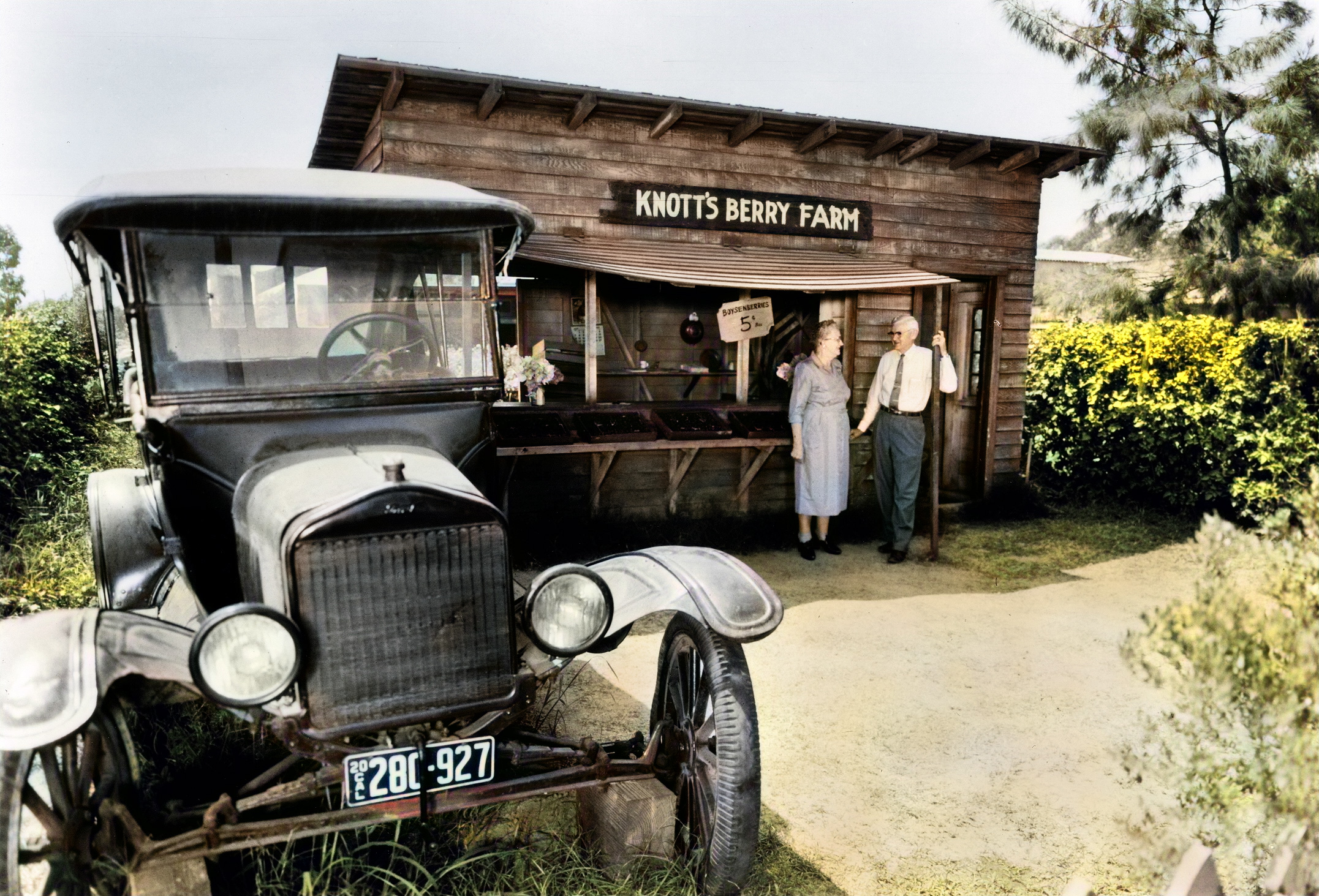 Knotts Berry Farm Stand colorized